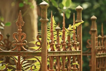 Steel Gate Buying Guide: How to Pick the Best One for Your Home