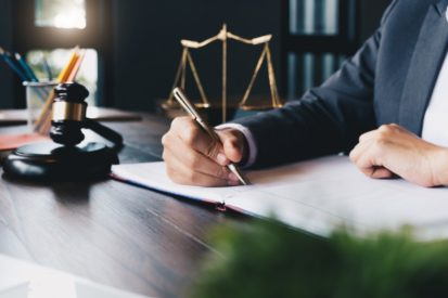 5 questions to ask when choosing a lawyer