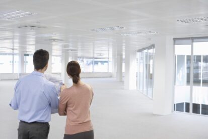What you need to consider when selecting an office reinstatement contractor